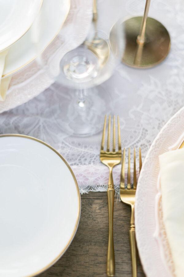 Lilac wedding tablescape 10