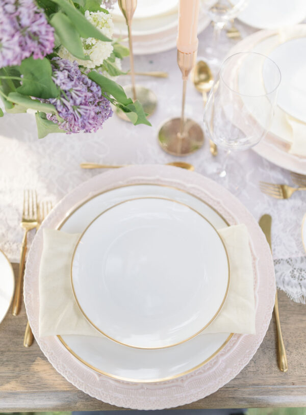 Lilac wedding tablescape 8