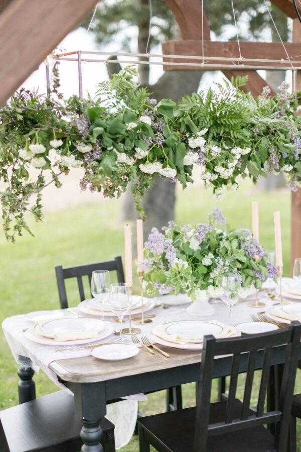 Lilac wedding tablescape 3
