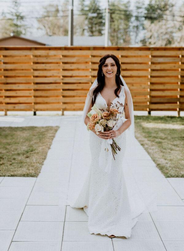 Neutral Wedding Bride with bouquet